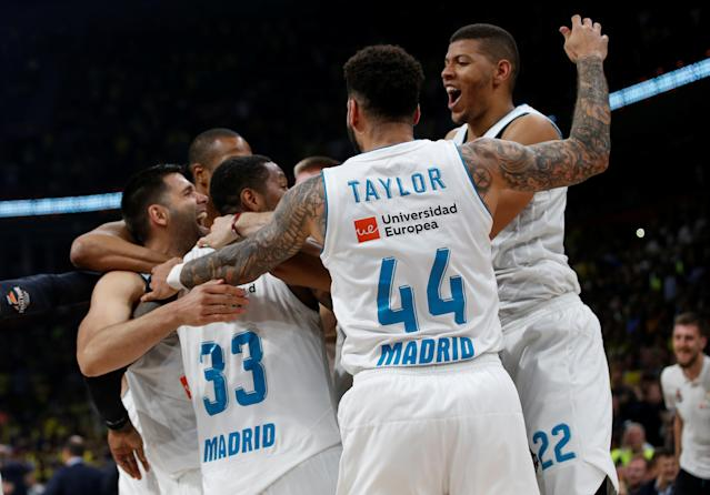 Basketball - Euroleague Final Four Final - Real Madrid vs Fenerbahce Dogus Istanbul - Stark Arena, Belgrade, Serbia - May 20, 2018 Real Madrid players celebrate REUTERS/Alkis Konstantinidis