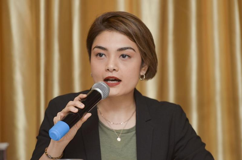 Broadcast journalist Tehmina Kaoosji speaks during the Report Launch and Roundtable Discussion in Kuala Lumpur April 12, 2019. ― Picture by Mukhriz Hazim