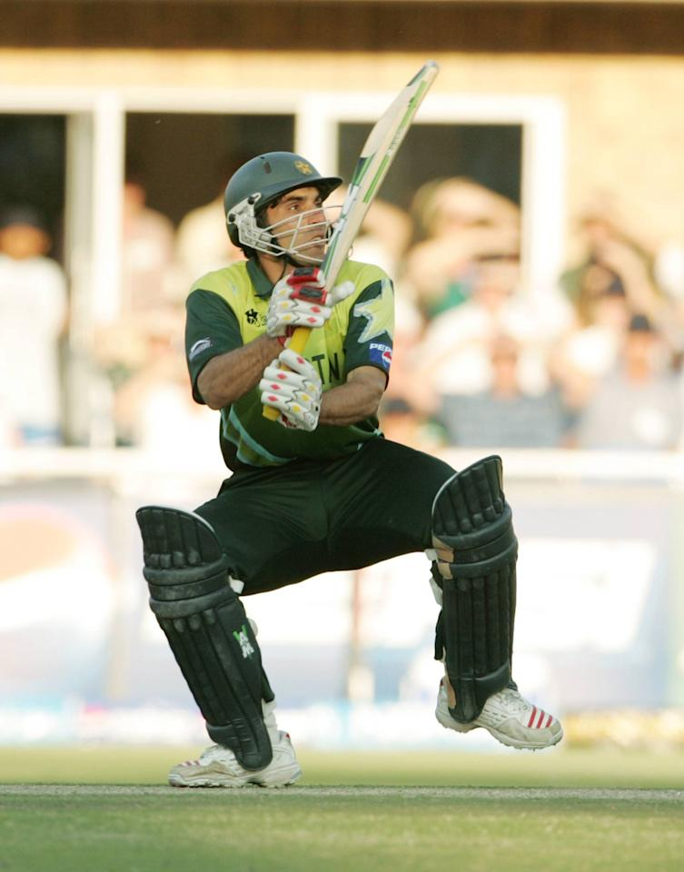 JOHANNESBURG, SOUTH AFRICA - SEPTEMBER 24:  , Misbah-ul-Haq of Pakistan during the final match of the ICC Twenty20 World Cup between Pakistan and India held at the Wanderers Cricket Stadium on September 24, 2007  in Johannesburg, South Africa. (Photo by Duif du Toit/Gallo Images/Getty Images)