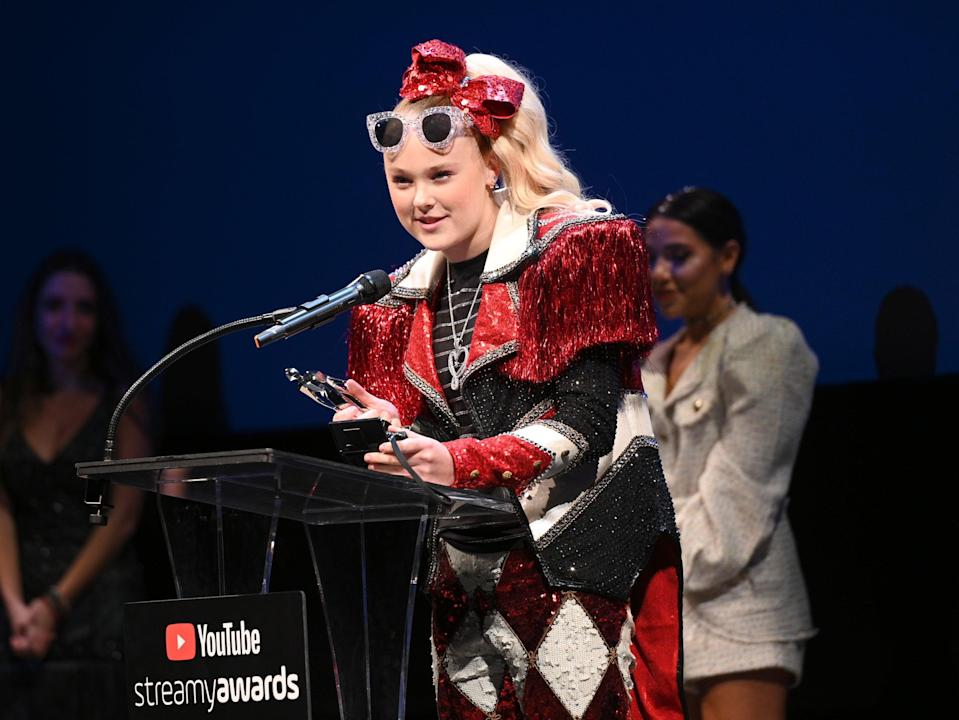 Jojo Siwa at the 2019 Streamy Awards on 11 December 2019 in Santa Monica, California (Andrew Toth/Getty Images for Streamy Awards)
