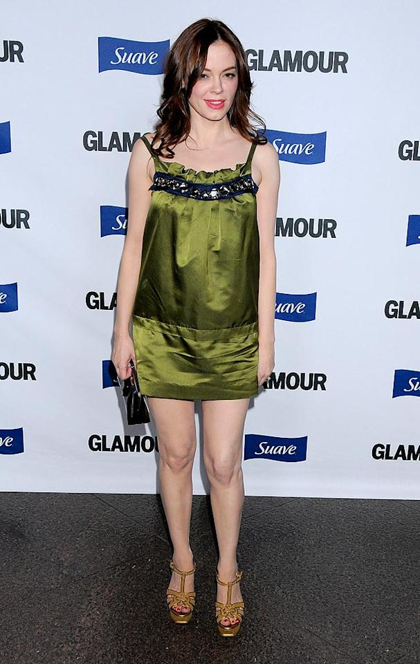 """Grindhouse"" hottie Rose McGowan failed to impress in a wrinkled green frock and mismatched heels. Gregg DeGuire/<a href=""http://www.wireimage.com"" target=""new"">WireImage.com</a> - October 14, 2008"