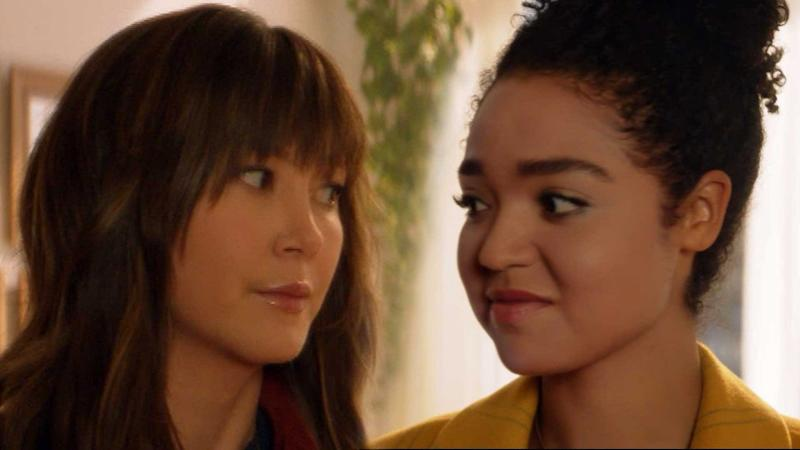 Aisha Dee & Kimiko Glenn Try to Fix 'Ghosting' Issue With an Energy Healer in Freeform Xmas Film (Exclusive)