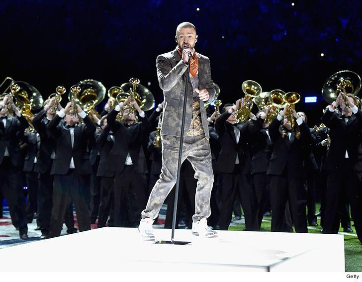 Justin Timberlake performs at halftime during Super Bowl LII. (Photo: Getty Images)