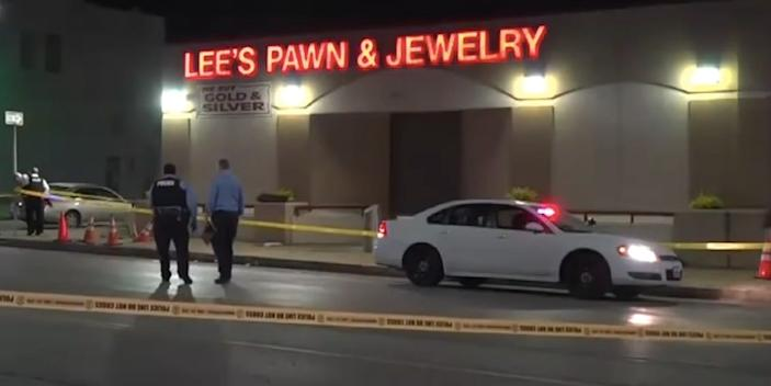 lee's pawn