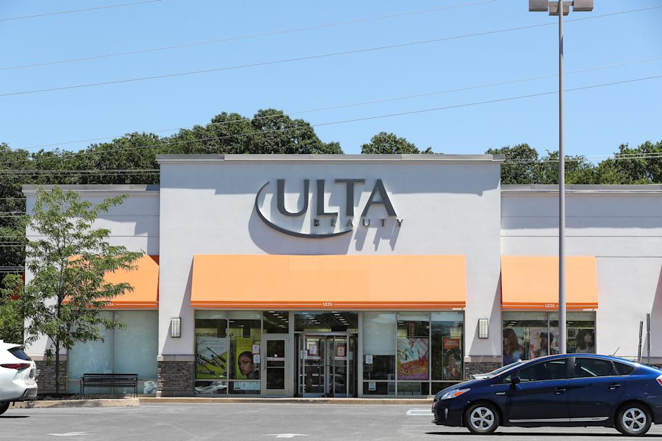 SELINSGROVE, PENNSYLVANIA, UNITED STATES - 2021/06/16: An Ulta Beauty store is seen at Monroe Marketplace in Pennsylvania. (Photo by Paul Weaver/SOPA Images/LightRocket via Getty Images)