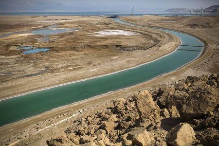 A canal leading to the Dead Sea is seen in Israel July 27, 2015. REUTERS/Amir Cohen