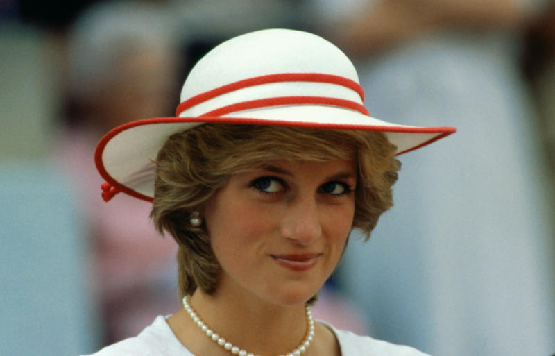 A new study shows many people underestimate the value of a thank-you note, something Princess Diana made time to write in between her royal duties.