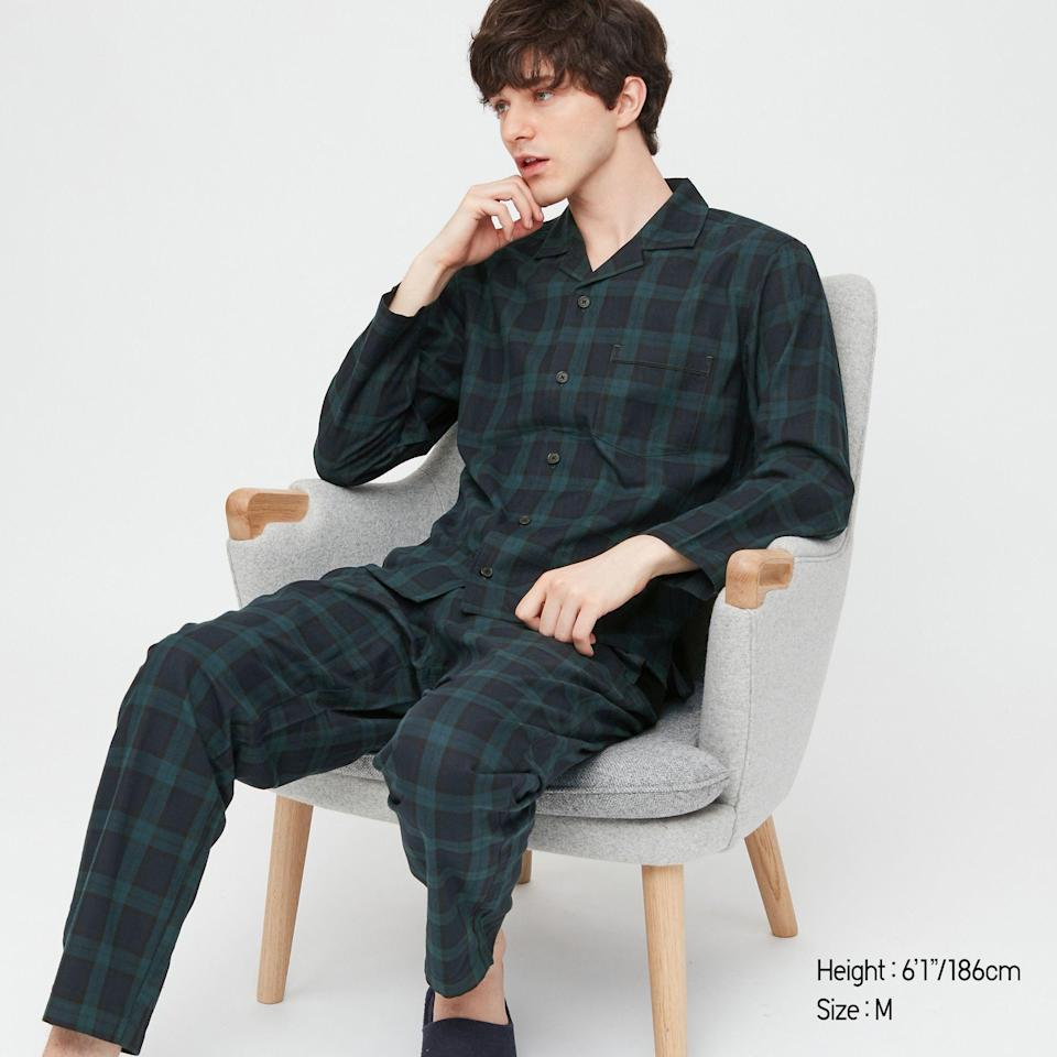 "<p>uniqlo.com</p><p><strong>$29.90</strong></p><p><a href=""https://go.redirectingat.com?id=74968X1596630&url=https%3A%2F%2Fwww.uniqlo.com%2Fus%2Fen%2Fmen-flannel-long-sleeve-pajamas-431827COL58SMA004000.html&sref=https%3A%2F%2Fwww.townandcountrymag.com%2Fstyle%2Ffashion-trends%2Fg34499251%2Fbest-mens-pajamas%2F"" rel=""nofollow noopener"" target=""_blank"" data-ylk=""slk:Shop Now"" class=""link rapid-noclick-resp"">Shop Now</a></p><p>Get him into the winter spirit with a cozy plaid set. </p>"