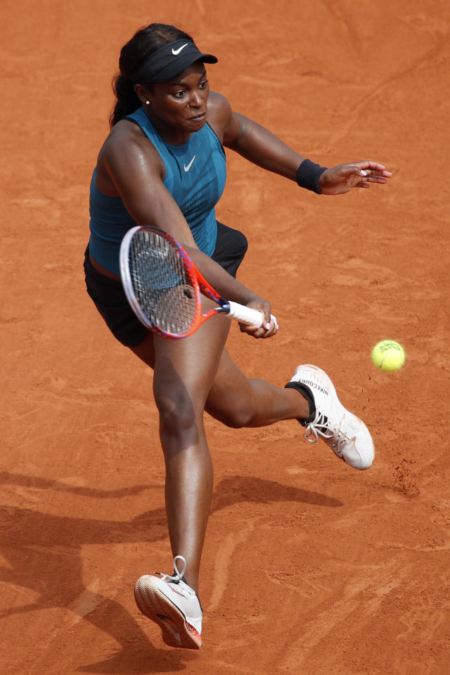 Sloane Stephens of the U.S. returns the ball to Romania's Simona Halep during their final match of the French Open tennis tournament at the Roland Garros stadium, Saturday, June 9, 2018 in Paris. (AP Photo/Christophe Ena)