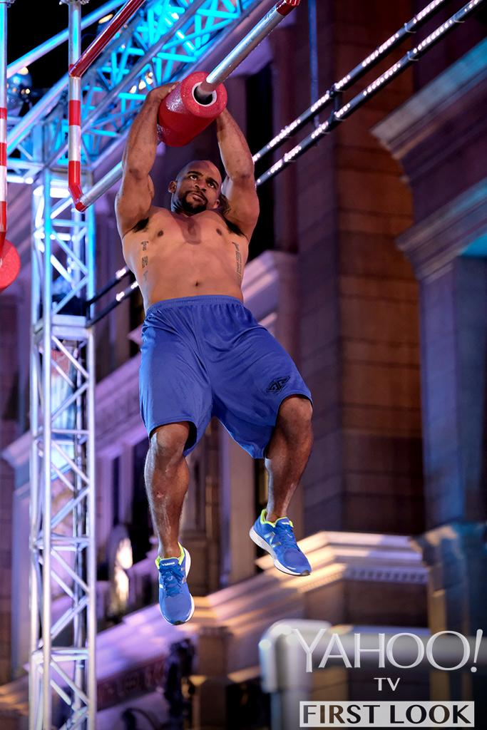 Anthony Trucks in American Ninja Warrior (Photo: Tyler Golden/NBC)