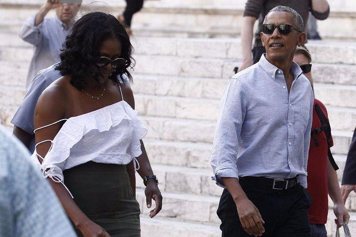 """<img alt=""""""""/><p>What have Michelle and Barack Obama been up to? Living their best life, that's what.</p> <p>Since leaving the White House in January, the two have been <a rel=""""nofollow"""" href=""""http://mashable.com/2017/05/12/michelle-obama-obesity-crap-lunches/?utm_campaign=&utm_context=textlink&utm_medium=rss&utm_source="""">dropping knowledge</a> at conferences and trying things like <a rel=""""nofollow"""" href=""""http://mashable.com/2017/02/07/ombama-richard-branson-kite-surf/?utm_campaign=Mash-BD-Synd-Yahoo-Watercooler-Full&utm_cid=Mash-BD-Synd-Yahoo-Watercooler-Full"""">kitesurfing</a>.</p> <p>In early May, Barack spoke at the Seeds & Chips Global Food Innovation Summit in Milan, Italy, and since then, it seems the two have spent a great deal of time taking a break from politics to be tourists in the country.</p> <div><p>SEE ALSO: <a rel=""""nofollow"""" href=""""http://mashable.com/2017/05/12/michelle-obama-obesity-crap-lunches/?utm_campaign=Mash-BD-Synd-Yahoo-Watercooler-Full&utm_cid=Mash-BD-Synd-Yahoo-Watercooler-Full"""">Michelle Obama expertly blasts Trump without even mentioning his name</a></p></div> <p>The former first lady was spotted roaming the town of Montalcino in Tuscany in a one-shoulder millennial pink blouse, inspiring summer looks.</p> <div><p></p></div>  <p>Go ahead and look, in awe, one more time. If this isn't thriving, then what is?</p> <div><div><blockquote> <p>Michelle Obama out in Tuscany, Italy yesterday <a rel=""""nofollow"""" href=""""https://t.co/seegV33zwF"""">pic.twitter.com/seegV33zwF</a></p> <p>— MoorInfo (@MoorInformation) <a rel=""""nofollow"""" href=""""https://twitter.com/MoorInformation/status/866438950990295040"""">May 21, 2017</a></p> </blockquote></div></div> <p>Meanwhile, the former president has been seen enjoying his time in Italy with a favorite pastime—golf.</p> <div><div><blockquote> <p>Here is Barack Obama, yesterday In Italy 🇮🇹. You're welcome. <a rel=""""nofollow"""" href=""""https://t.co/s2XvzhqtBs"""">pic.twitter.com/s2XvzhqtBs</a></p> <p>— WhatWeHad (@IrisRimon) <a rel="""""""