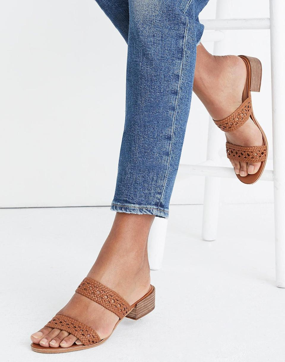 """<br> <br> <strong>Madewell</strong> The Marianna Basketweave Slide Sandal, $, available at <a href=""""https://go.skimresources.com/?id=30283X879131&url=https%3A%2F%2Fwww.madewell.com%2Fthe-marianna-basketweave-slide-sandal-L5996.html"""" rel=""""nofollow noopener"""" target=""""_blank"""" data-ylk=""""slk:Madewell"""" class=""""link rapid-noclick-resp"""">Madewell</a>"""