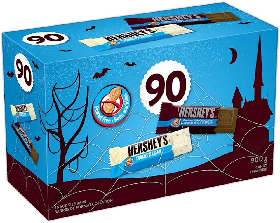 HERSHEY'S Halloween Chocolate Candy Assortment (Milk Chocolate Bars, Cookies 'N' Crème Bars) 90 Count Candy and Chocolate Bars