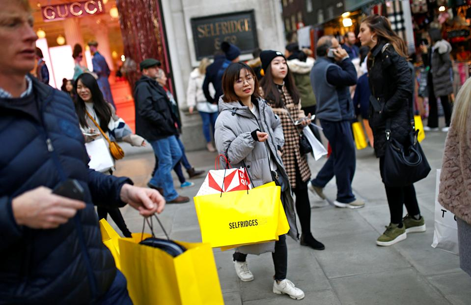 People shopping on Oxford Street in central London, Britain, December 20, 2018. REUTERS/Henry Nicholls