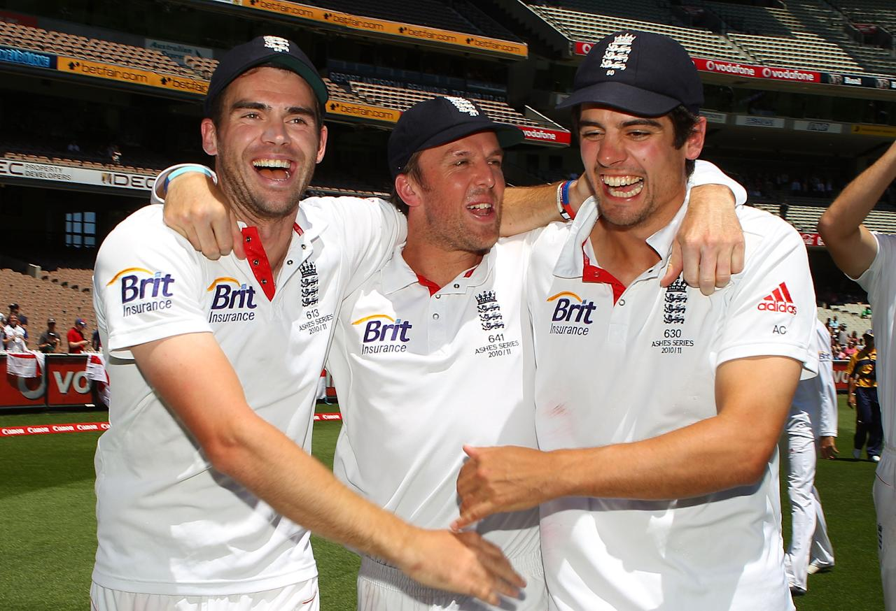 MELBOURNE, AUSTRALIA - DECEMBER 29:  James Anderson, Graeme Swann and Alastair Cook of England celebrate after winning the match during day four of the Fourth Test match between Australia and England at Melbourne Cricket Ground on December 29, 2010 in Melbourne, Australia.  (Photo by Scott Barbour/Getty Images)