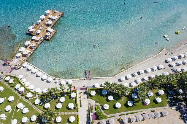 <strong>A beach in Cesme district of Izmir, Turkey.</strong> (Photo: Anadolu Agency via Getty Images)