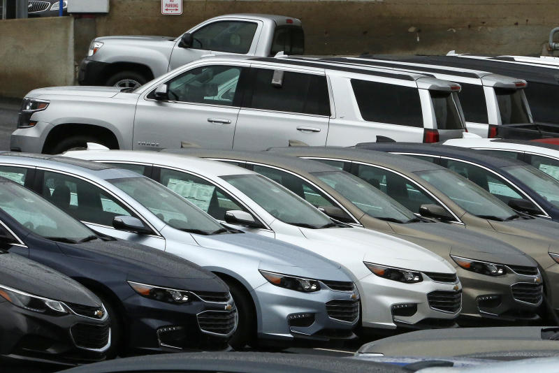 Lured by deals, car buyers go for SUVs, pickups in February