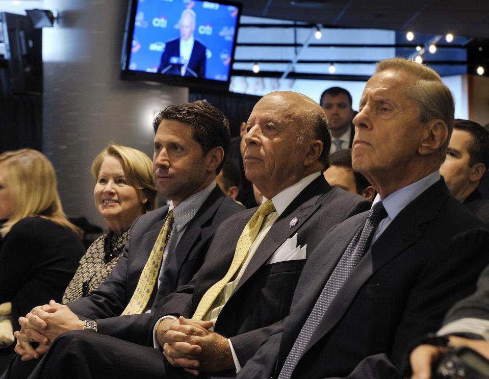 New York Mets CEO Fred Wilpon (R), President Saul Katz (2nd R), COO Jeff Wilpon (2nd L) and his wife Linda Alderson (L) listen to new general manager Sandy Alderson (not in photo) as the MLB National League team introduce him at a news conference in New York, October 29, 2010. Long-time baseball executive Alderson, 62, succeeds Omar Minaya, who was fired earlier this month along with manager Jerry Manuel after the team's second consecutive losing season.   REUTERS/Ray Stubblebine (UNITED STATES - Tags: SPORT BASEBALL)