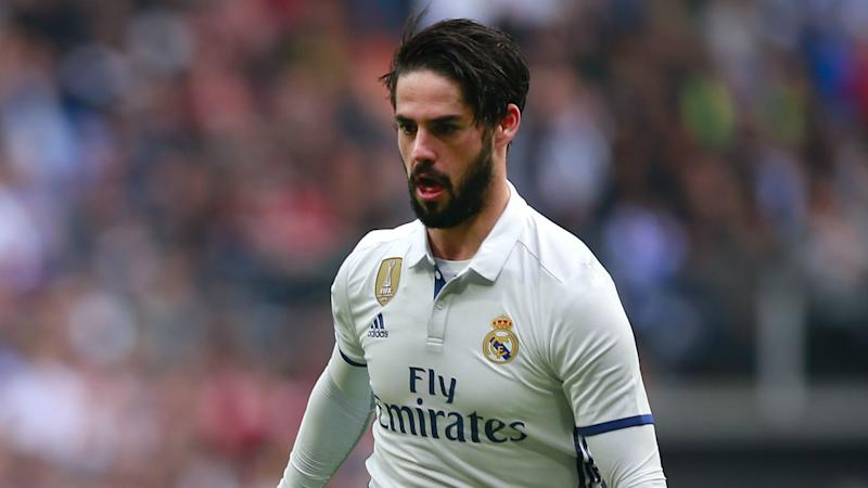 Iniesta and Suarez want 'incredible' Isco at Barcelona