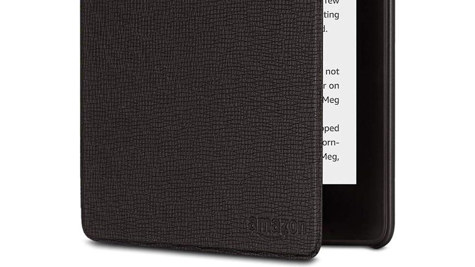 Best gifts for book lovers: Leather cover for the Kindle Paperwhite (2018)