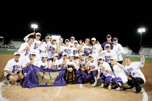 <p><strong>25. Washington</strong><br>Top 2017-18 sports: rowing, softball. Trajectory: Down. The Huskies are going the wrong way, going from 14th to 22nd to 29th over the past three years. Winter sports were low scorers, but women's sports remain strong in many areas. </p>