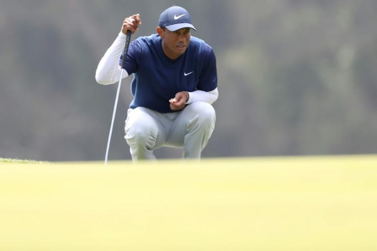 Woods suffers more putting woes at PGA Championship