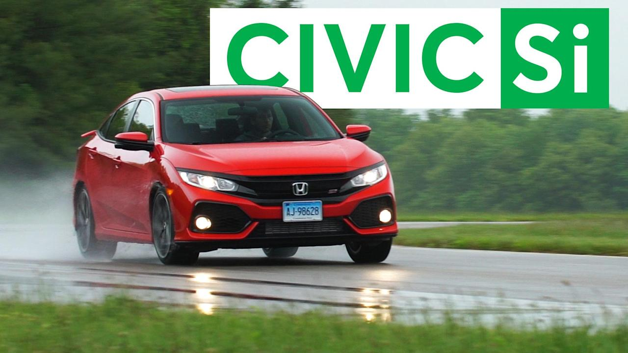 Honda aims for performance and affordability with the 2017 Civic Si. The sporty compact sedan has aggressive styling and more power. However, the Si's racing flair may only go skin deep.