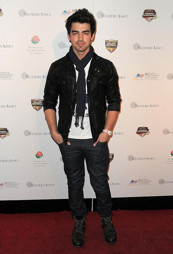 """Joe Jonas is only 20, but he proved once again that he's perfected the sexy rocker look. Which of the JoBros do you think is hottest? Jordan Strauss/ <a href=""""http://www.wireimage.com"""" target=""""new"""">WireImage.com</a> - January 6, 2010"""