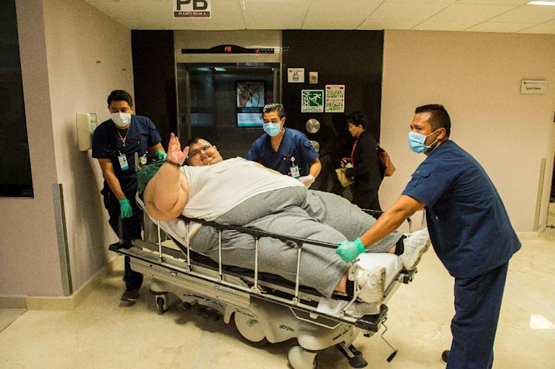 The world's heaviest man, Juan Pedro Franco, who at one point weighed almost 600 kilogrammes (1,300 pounds), has undergone successful gastric bypass surgery in Mexico, his doctors said