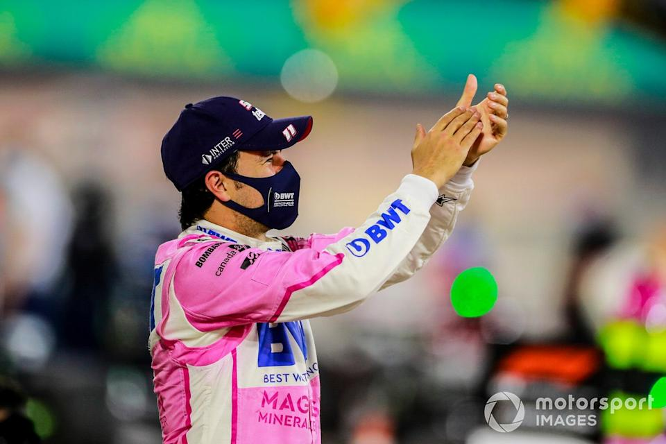 "Ganador Sergio Pérez, Racing Point celebra en parc Fermes team<span class=""copyright"">Steven Tee / Motorsport Images</span>"