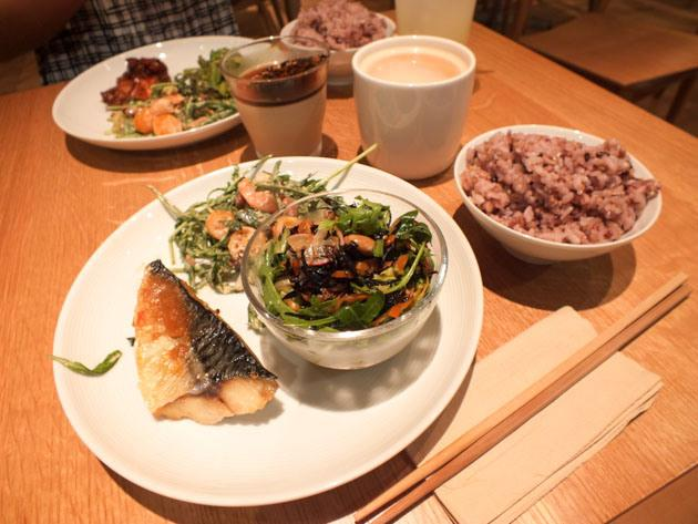 affordable japanese food in singapore muji cafe