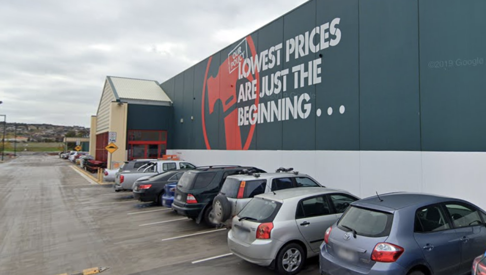 A team member from Bunnings in the Melbourne suburb of Craigieburn has also tested positive for coronavirus. Source: Google Maps