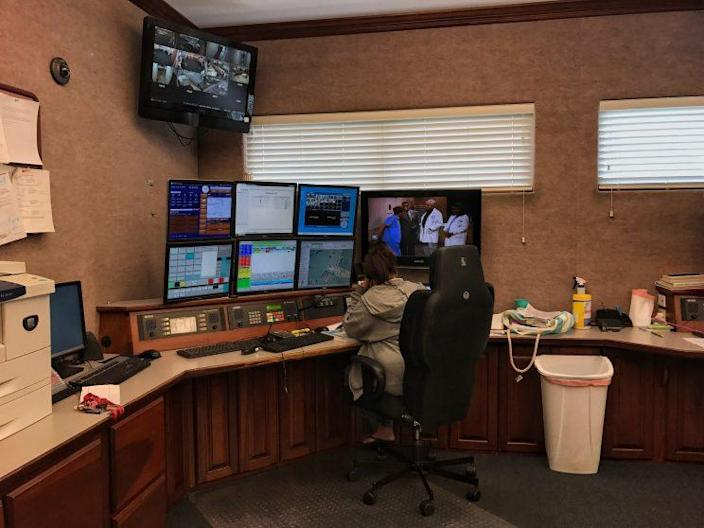 A dispatcher in Mason County's 911 center. On many days, most calls are for drug overdoses. (Photo: Holly Bailey/Yahoo News)
