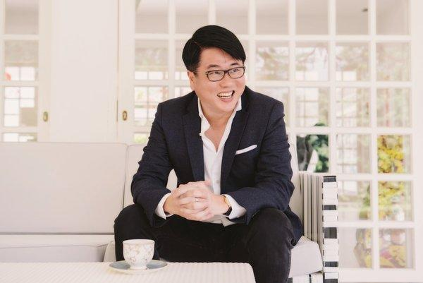 Cityneon's Executive Chairman & Group CEO Ron Tan named Executive of the Year at the Singapore Business Review Management Excellence Awards 2018