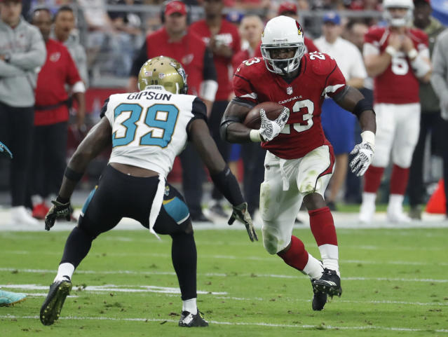 "Running back Adrian Peterson (23), with the <a class=""link rapid-noclick-resp"" href=""/nfl/teams/ari"" data-ylk=""slk:Cardinals"">Cardinals</a> last season, will visit with the <a class=""link rapid-noclick-resp"" href=""/nfl/teams/was"" data-ylk=""slk:Redskins"">Redskins</a> on Monday. (AP)"
