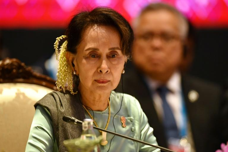 Aung San Suu Kyi is to travel to the International Court of Justice in The Hague to lead the defence team