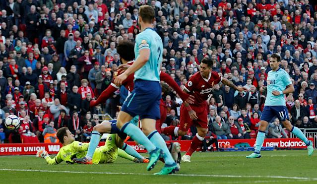 "Soccer Football - Premier League - Liverpool vs AFC Bournemouth - Anfield, Liverpool, Britain - April 14, 2018 Liverpool's Roberto Firmino misses a chance to score REUTERS/Andrew Yates EDITORIAL USE ONLY. No use with unauthorized audio, video, data, fixture lists, club/league logos or ""live"" services. Online in-match use limited to 75 images, no video emulation. No use in betting, games or single club/league/player publications. Please contact your account representative for further details."