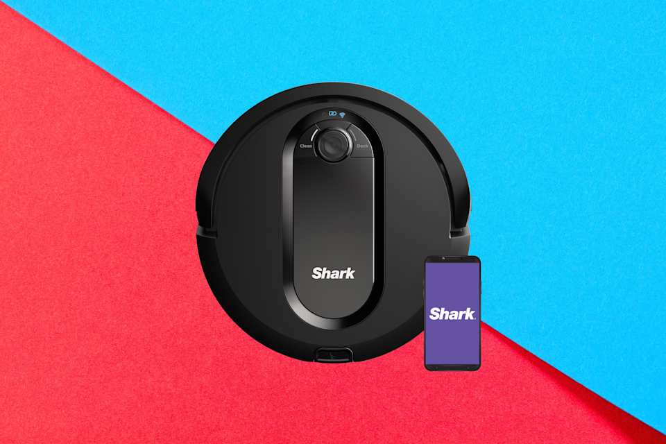 Shark IQ Robot Vacuum R100. (Photo: Walmart)