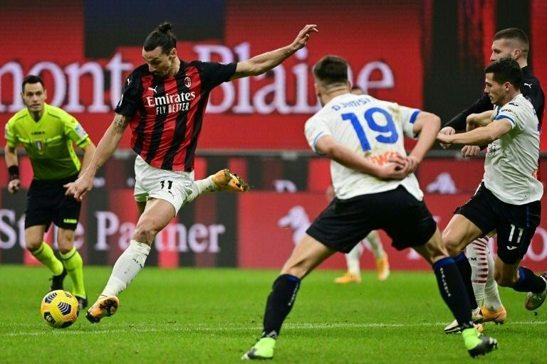 AC Milan's Swedish forward Zlatan Ibrahimovic (L) scored a brace against Inter last October.