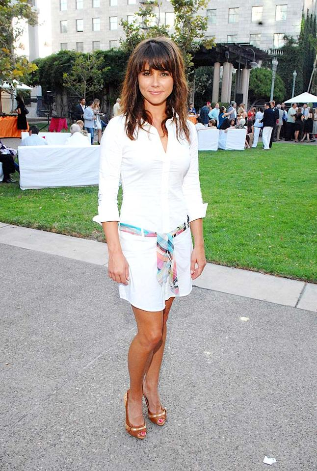 """E.R."" star Linda Cardellini sizzles in a white cotton shirtdress. Amy Graves/<a href=""http://www.wireimage.com"" target=""new"">WireImage.com</a> - July 26, 2008"