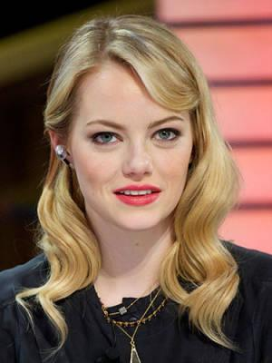"<div class=""caption-credit""> Photo by: Getty Images</div><div class=""caption-title"">2. Haute Hollywood</div>Emma Stone's Old Hollywood siren waves are sure to steam up the season…and they're easy to pull off. Simply separate hair into four or five sections, set on jumbo hot rollers and let cool. Finger-style and sweep one side back in a fun clip. <br> <b>Related: <a rel=""nofollow"" href=""http://www.cosmopolitan.com/sex-love/relationship-advice/relationship-advice-for-women?link=rel&dom=yah_life&src=syn&con=blog_cosmo&mag=cos"" target=""_blank"">Relationship Advice From Men</a> <br> Related: <a rel=""nofollow"" href=""http://www.cosmopolitan.com/advice/health/what-to-eat-before-a-workout?link=rel&dom=yah_life&src=syn&con=blog_cosmo&mag=cos"" target=""_blank"">Eat This Before You Work Out</a> <br> Related: <a rel=""nofollow"" href=""http://www.cosmopolitan.com/advice/work-money/ways-to-save-money?link=rel&dom=yah_life&src=syn&con=blog_cosmo&mag=cos"" target=""_blank"">How to Save Money And Still Have a Life</a></b> <br>"