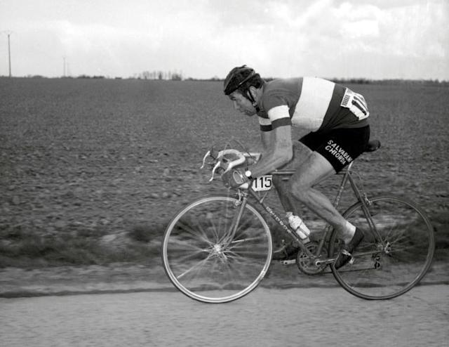 This file photo taken on April 13, 1969 shows Italian rider Felice Gimondi competing in the Paris-Roubaix cycling race (AFP Photo/STF)