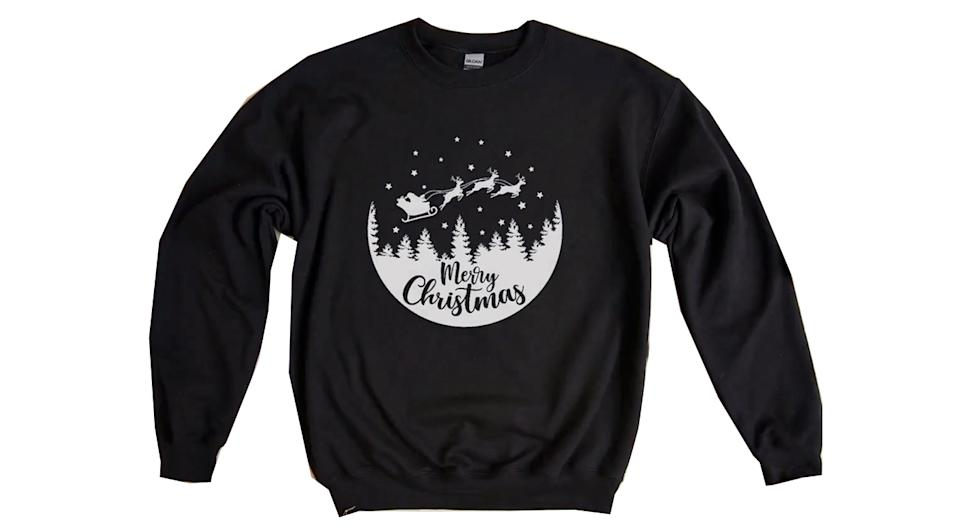 Women's Christmas sweatshirt (Etsy)