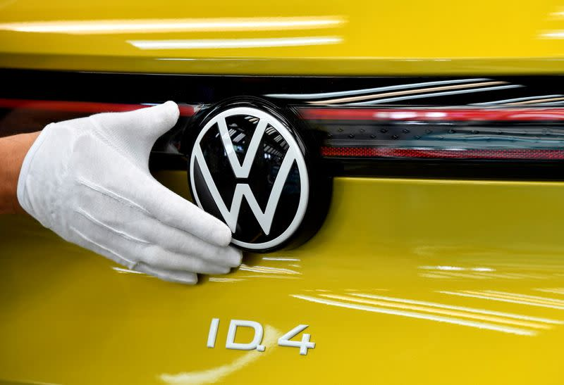 FILE PHOTO: FILE PHOTO: VW shows electric SUV ID 4 during a photo workshop
