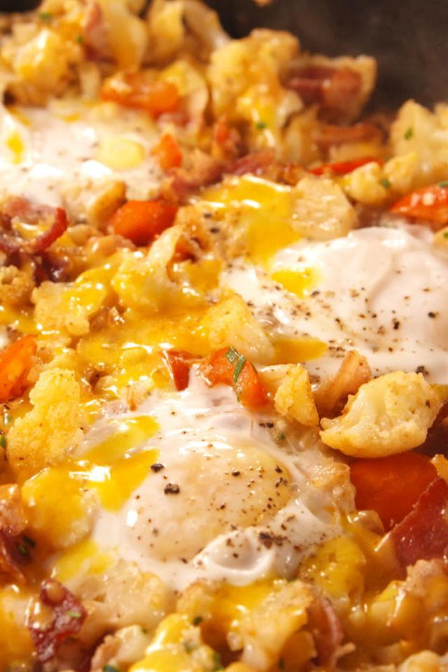 "<p>You won't even miss the carbs.</p><p>Get the recipe from <a rel=""nofollow"" href=""http://www.delish.com/cooking/recipe-ideas/recipes/a55631/low-carb-breakfast-hash-recipe/"">Delish</a>.</p>"