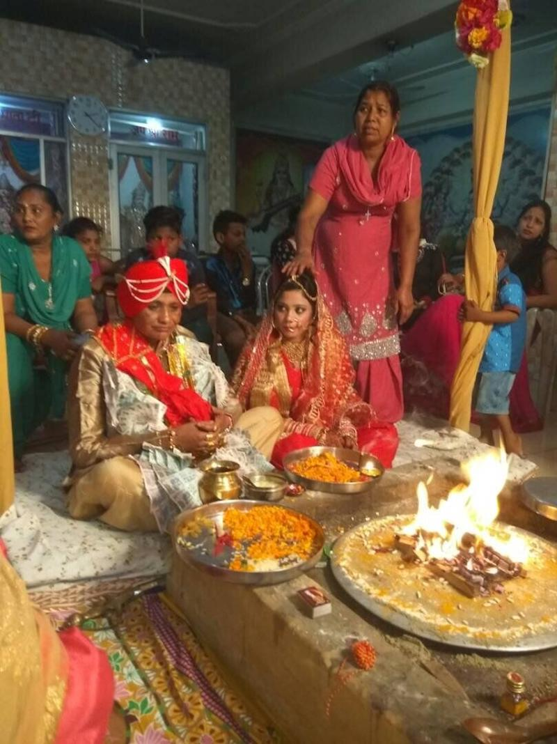 48 years old Manjit and 21 years old Seerat Sandhu tied the knot with Hindu rituals in 2017 by taking 'saat pheras' around the sacred fire when same sex marriage was a punishable offence under Section 377 of IPC in India. (Photo: HuffPost India )