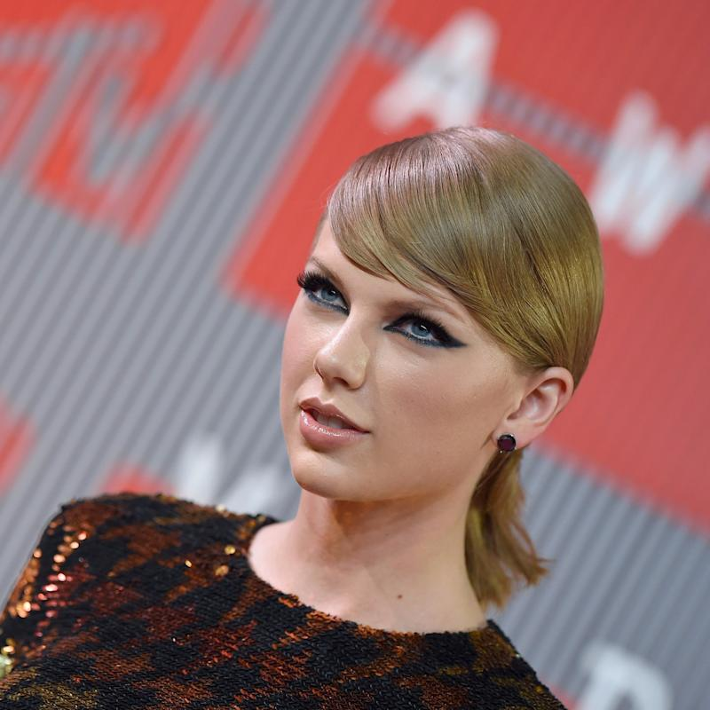 Taylor Swift Wrote a Heartfelt, Revealing Letter For Reputation That Is Definitely Worth a Read