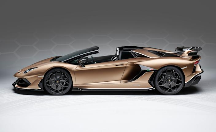 "<p>It's pretty much a given that when a new Lamborghini coupe comes out, a droptop model is sure to follow. This has yet again been proven true with <a href=""https://www.caranddriver.com/lamborghini/aventador"" rel=""nofollow noopener"" target=""_blank"" data-ylk=""slk:the Aventador"" class=""link rapid-noclick-resp"">the Aventador</a> SVJ Roadster, which has just debuted at the Geneva auto show. Like the name says, this is <a href=""https://www.caranddriver.com/reviews/a23365573/2019-lamborghini-aventador-svj-759-hp-warrior/"" rel=""nofollow noopener"" target=""_blank"" data-ylk=""slk:an Aventador SVJ coupe"" class=""link rapid-noclick-resp"">an Aventador SVJ coupe</a> with the roof lopped off-and no other changes made.</p>"