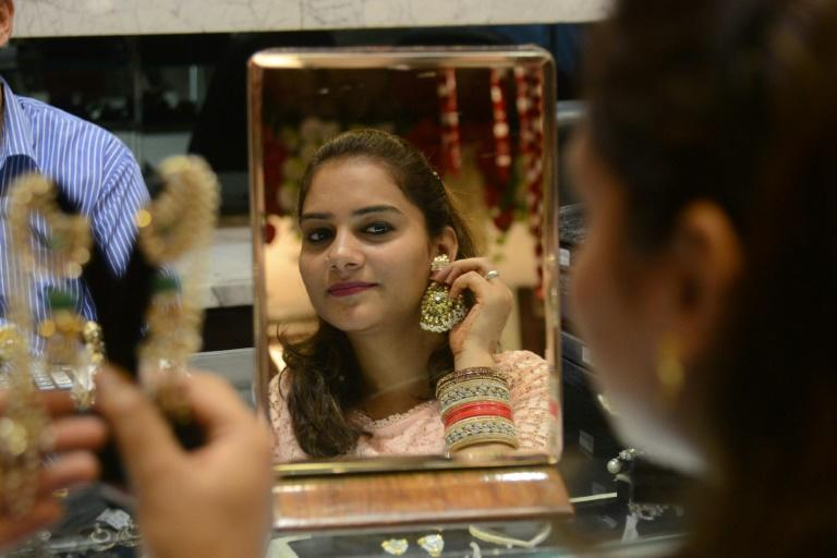 Gold loses sheen in 2016, demand falls 21% in India: WGC