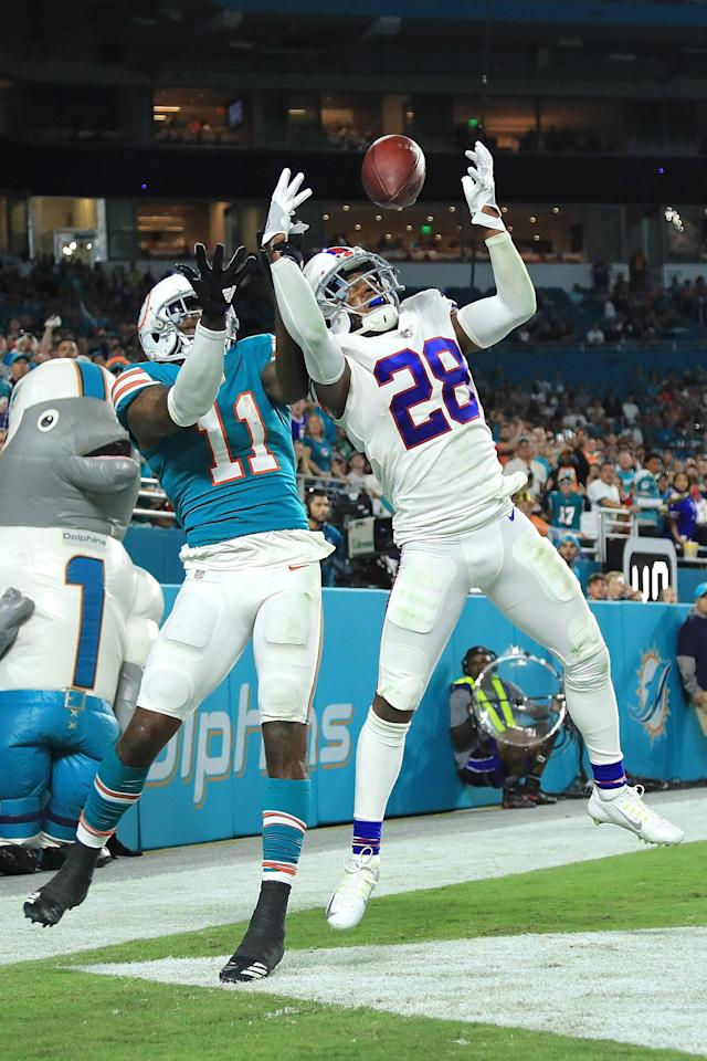 <p>E.J. Gaines #28 of the Buffalo Bills deflects the pass during the fourth quarter against the Miami Dolphins at Hard Rock Stadium on December 31, 2017 in Miami Gardens, Florida. (Photo by Mike Ehrmann/Getty Images) </p>